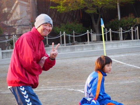誰だ??? 伊藤コーチ と キャプテン Why 出てない? それは、大綱中学校での出来事。